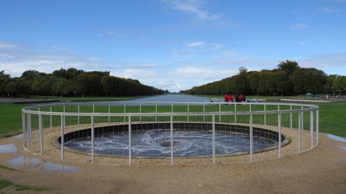 Descension | Anish Kapoor @ Fountain of Apollo's Chariot Lawn Versailles